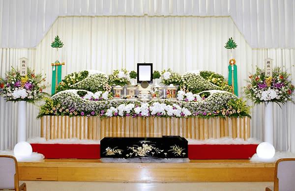 神式での葬儀を堺市立斎場で行う